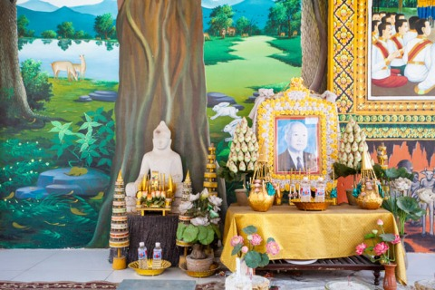 Small side temple at 100 Pillars Pagoda, with a shrine to the late Prince Sihanouk.